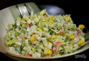 Салат с кукурузой и крабовыми палочками - фото шаг 6