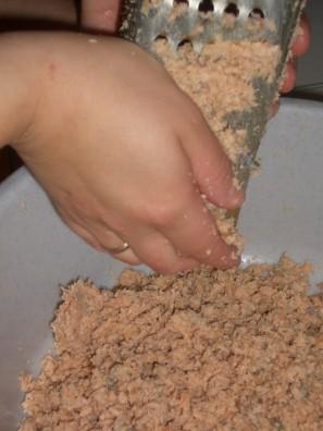 Закуска из горбуши - фото шаг 1