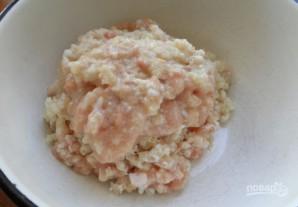 Котлеты из куриного фарша с капустой, тушенные в томате - фото шаг 1