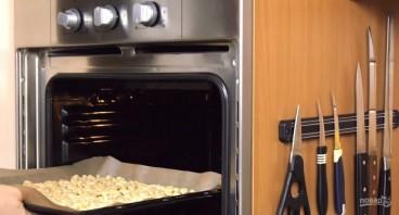 """Торт """"Сникерс"""" с соленой карамелью - фото шаг 3"""