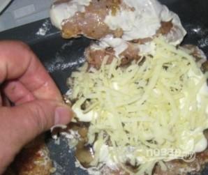 Мясо с грибами и сыром - фото шаг 12