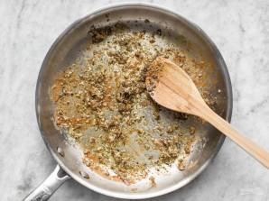 Куриные бедрышки на сковороде - фото шаг 3