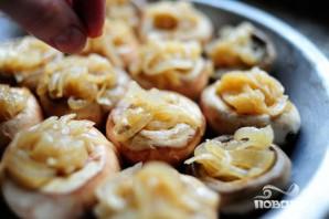 Фаршированные грибы с луком - фото шаг 3