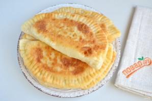 Вкусные кутабы с сыром и зеленью - фото шаг 9