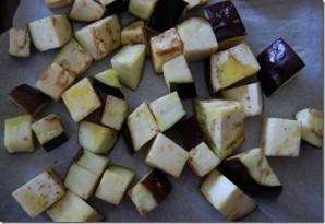 Простой салат из баклажанов - фото шаг 2