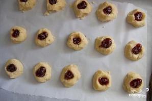 Печенье с малиновым вареньем - фото шаг 4