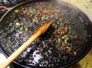 Черная паэлья - фото шаг 8