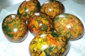 Мраморные яйца на Пасху - фото шаг 4