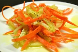Диетический салат из моркови и огурца - фото шаг 7