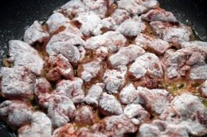 Печень куриная на сковороде - фото шаг 4