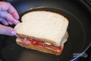 Горячие бутерброды с колбасой и сыром - фото шаг 3