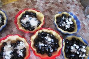Песочные корзиночки с ягодами закрытые - фото шаг 2