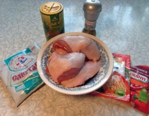Куриные бедра, тушеные в сметане - фото шаг 1