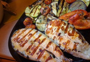 Рыба на сковороде - фото шаг 3
