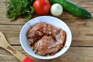 Шаверма с пикантной курочкой и чесночным соусом - фото шаг 3