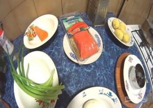 Салат с форелью слабосоленой  - фото шаг 1