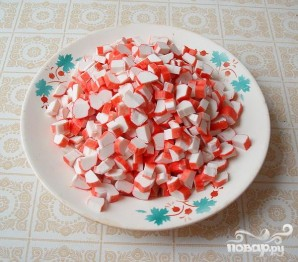 "Салат с крабовыми палочками ""Весёлый краб"" - фото шаг 4"