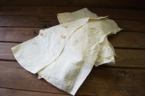 Лаваш с копченым сыром - фото шаг 1