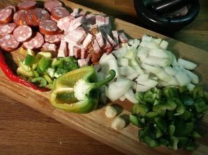Плов с колбасой - фото шаг 1