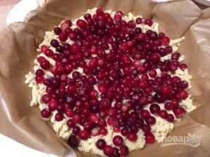 Тертый пирог с клюквой - фото шаг 5