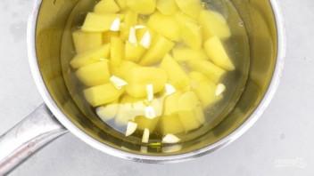 Картофельное пюре с креветками - фото шаг 1