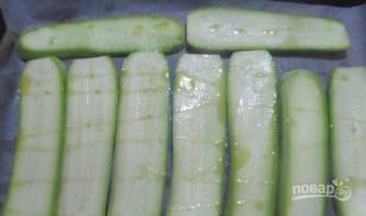 Рулетики из кабачков с яично-сырной начинкой - фото шаг 1