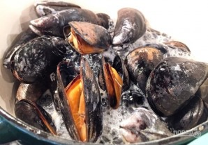 Морепродукты в томатном соусе - фото шаг 1