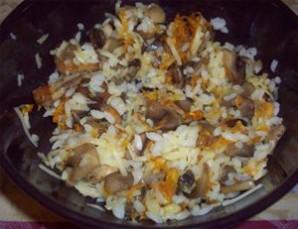 Кальмары, фаршированные рисом и грибами - фото шаг 5