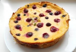 Слоеный пирог с ягодами - фото шаг 4