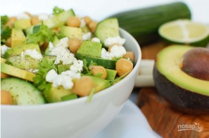 Простой салат с авокадо - фото шаг 4