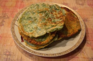 Лепешки с зеленью на сковороде - фото шаг 9