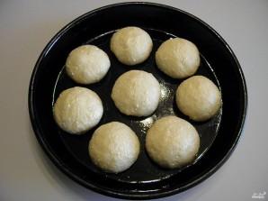 Творожные булочки в сметанной заливке - фото шаг 5