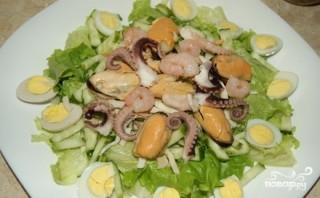 Салат с мидиями и осьминогами - фото шаг 7