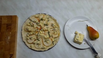 Пицца с грушей и горгонзолой (десертная) - фото шаг 4