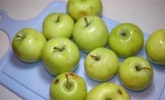 Утка с яблоками в утятнице - фото шаг 2