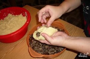 Картофельные пирожки с грибами - фото шаг 7