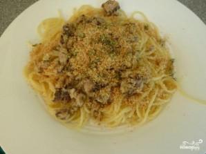 Спагетти с сардинами и сухариками - фото шаг 5