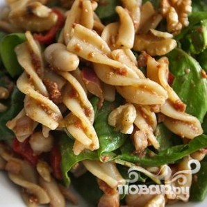 Салат с вялеными помидорами и пастой - фото шаг 6