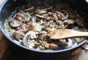 Курица в сливочно-грибном соусе - фото шаг 3