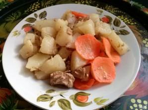Тушеное мясо с картошкой в мультиварке - фото шаг 4