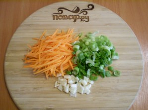 Тушеная капуста с картошкой в мультиварке - фото шаг 4