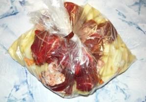 Говядина в пакете для запекания - фото шаг 6