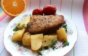 Утка в духовке с картошкой в рукаве - фото шаг 3