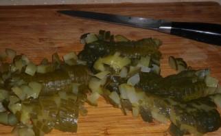 Солянка с колбасой в мультиварке - фото шаг 3