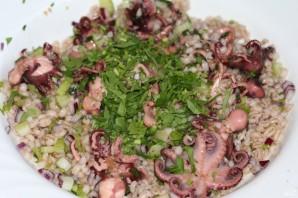 Салат из перловки с помидорами - фото шаг 10