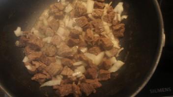 Жаркое с овощами и говядиной - фото шаг 2
