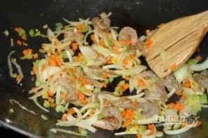 Жареный рис с креветками и овощами - фото шаг 3