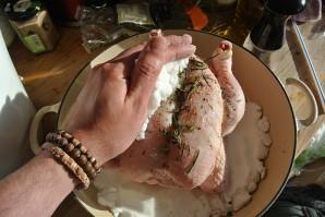 Курица с солью в духовке - фото шаг 4