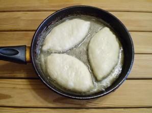 Пирожки с яйцом и зеленью - фото шаг 17