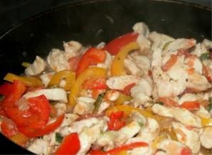 Курица с овощами в сметанном соусе - фото шаг 3